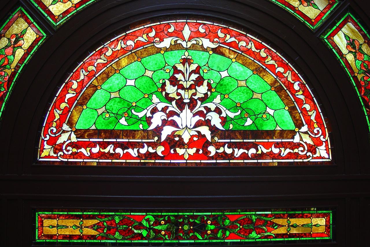 menuiserie à vitraux