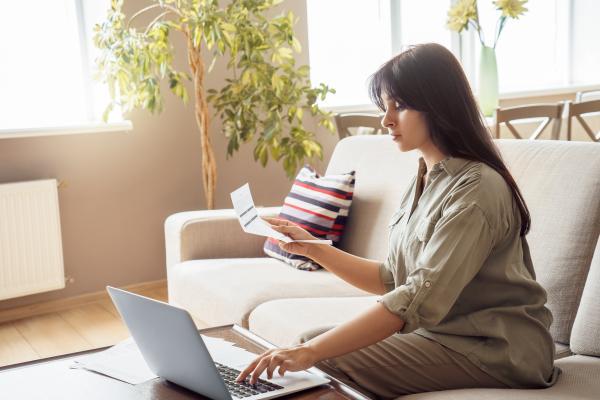 Offrez une protection maximale à votre enfant au sein et en dehors de son école en souscrivantune assurance scolaire en ligne.