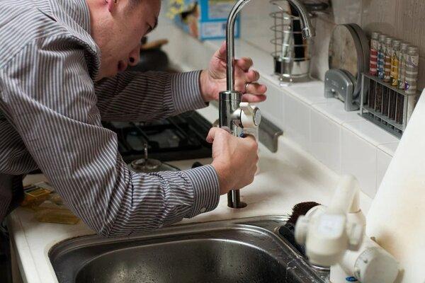 Comment embaucher le meilleur plombier local près de chez vous ?
